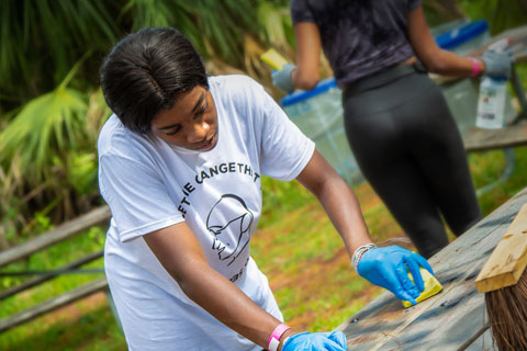 UM students participate in the National Gandhi Day of Service